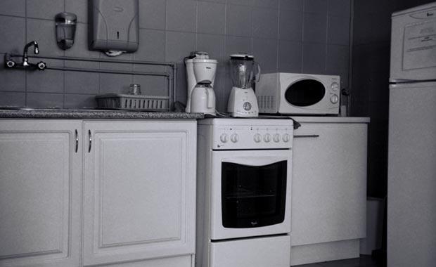 A Copa tem todos os electrodomésticos e utensílios necessários à confecção de refeições rápidas.